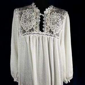 Christian Dior Cream Lace Long Sleeve Gown